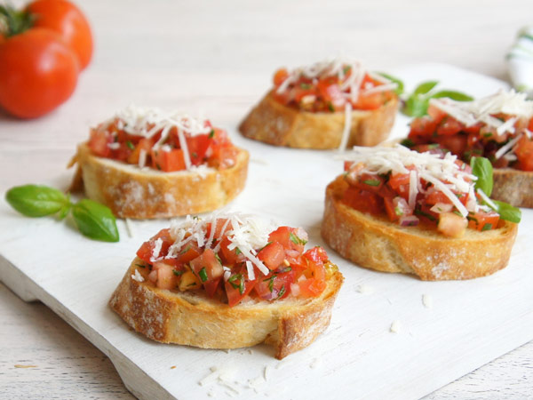 How to host a dinner party 4 themed menus with recipes for Chorizo canape ideas